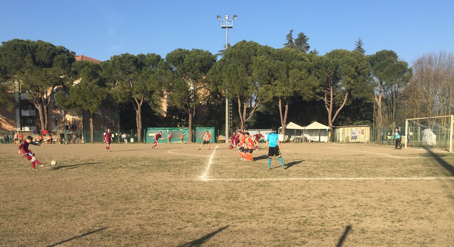 69' Calcio di punizione di Severi sopra la barriera, il portiere del Real Milandri risponde e mette in angolo.
